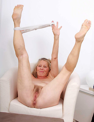 Best pics of mature ass feet