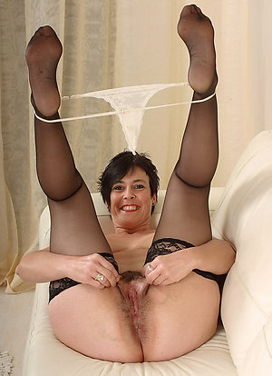 Naked hot moms feet pictures