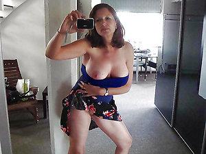 Pretty mature milf girlfriend