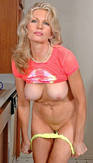 Private pics of nude mature girlfriends
