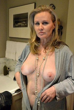 Amateur pics of hot girlfriend nude