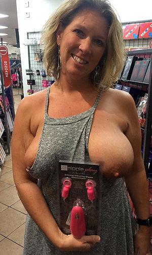Naked amateur older girlfriend fucking