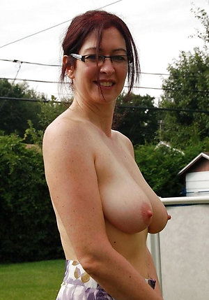 Pretty hot old milf with glasses