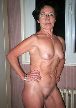 Pics of mature milf glasses porn