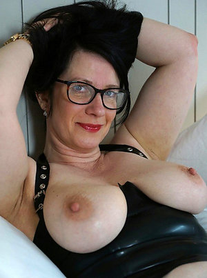 Real sexy old lady with glasses sex pics