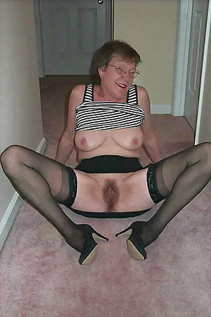 Xxx pics of mature milfs in glasses