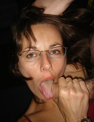 Pretty nude matures with glasses pictures