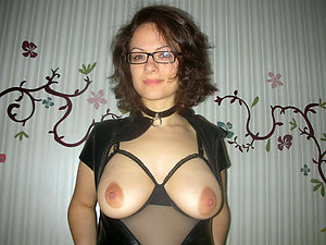 Promiscuous mature milf in glasses pics