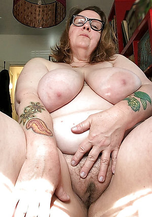 Horny old lady pussy sex pics