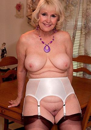 Mature Granny Pictures
