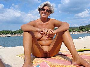 Xxx amateur granny porn pics