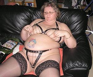 Gorgeous granny mature porn pics