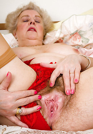 Favorite sexy mature granny galleries