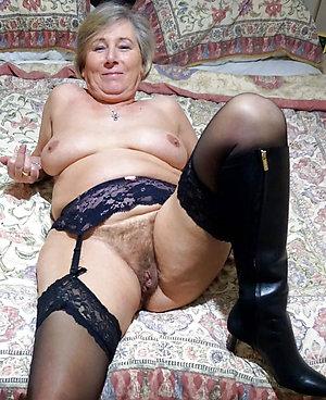 Sweet free hairy mature porn pics
