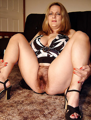 Xxx women with hairy pussies pics