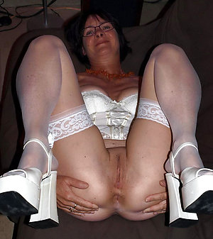 Private pics of hot moms in high heels