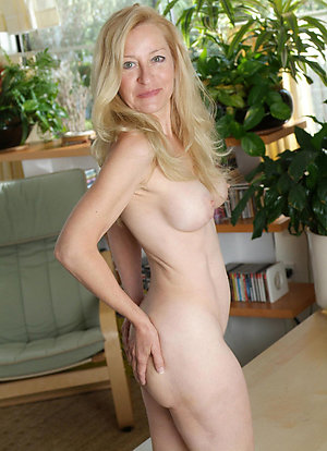 Hot Mature Pictures