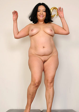 Amazing busty mature latina pics