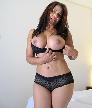Beautiful Vanessa nude latina women