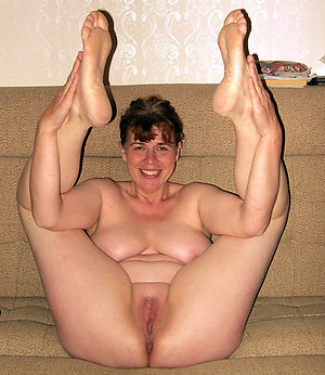 Classy mature leg porn gallery