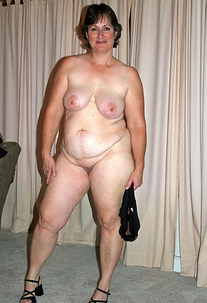 Beautiful mature women spreading legs