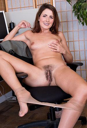 Pretty sexy mature womens legs