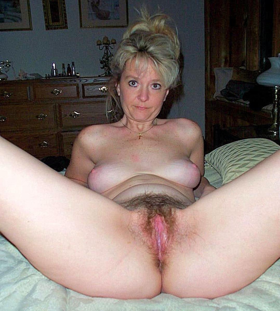 Horny natural beauty women