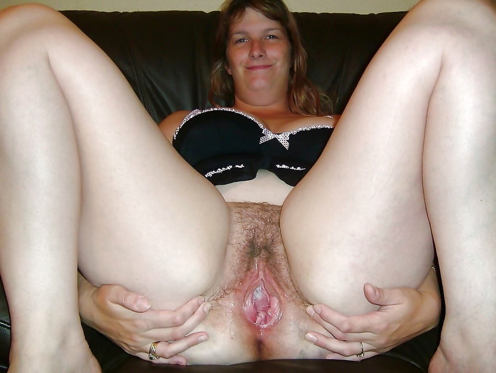 Amateur porn photo of unshaved mature pussy
