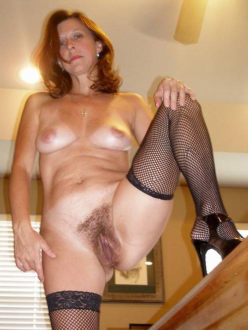 Horny mature classic porn
