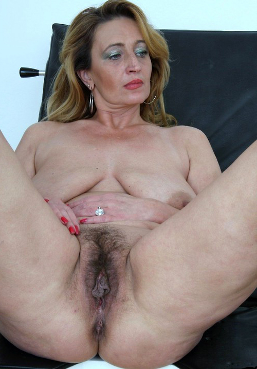 Realy mature classic porn gallery