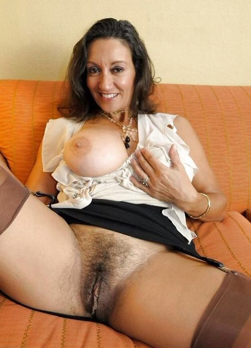 Hairy cunt mature naked photos