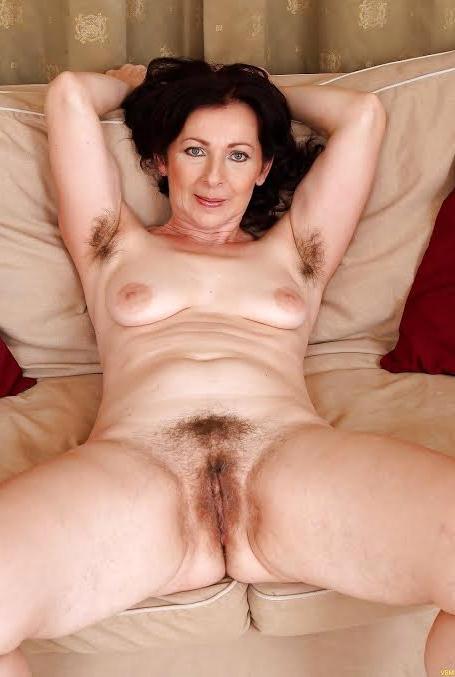 Naked unshaved mature women pics