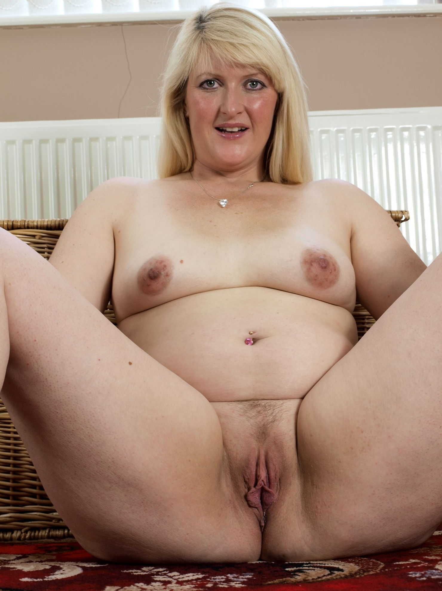 Favorite mature women xxx
