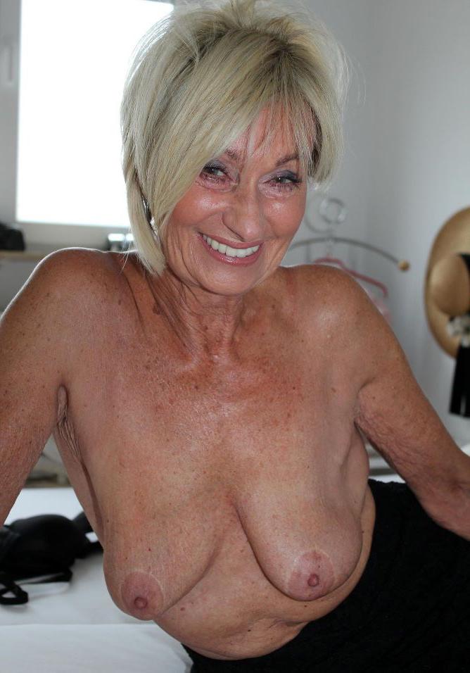 Pretty mature older nude battalion pics