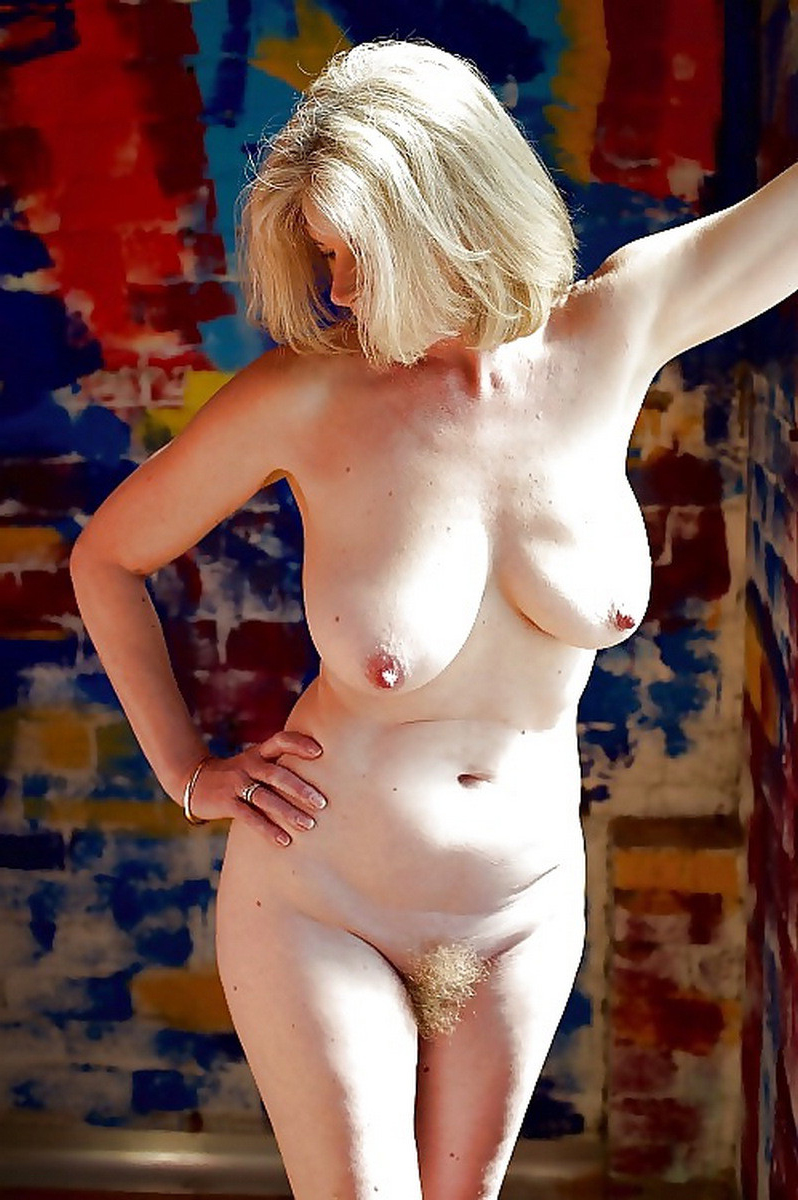 Busty unconditional mature singles pics