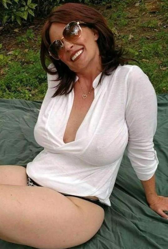 Porn pics of classic milf