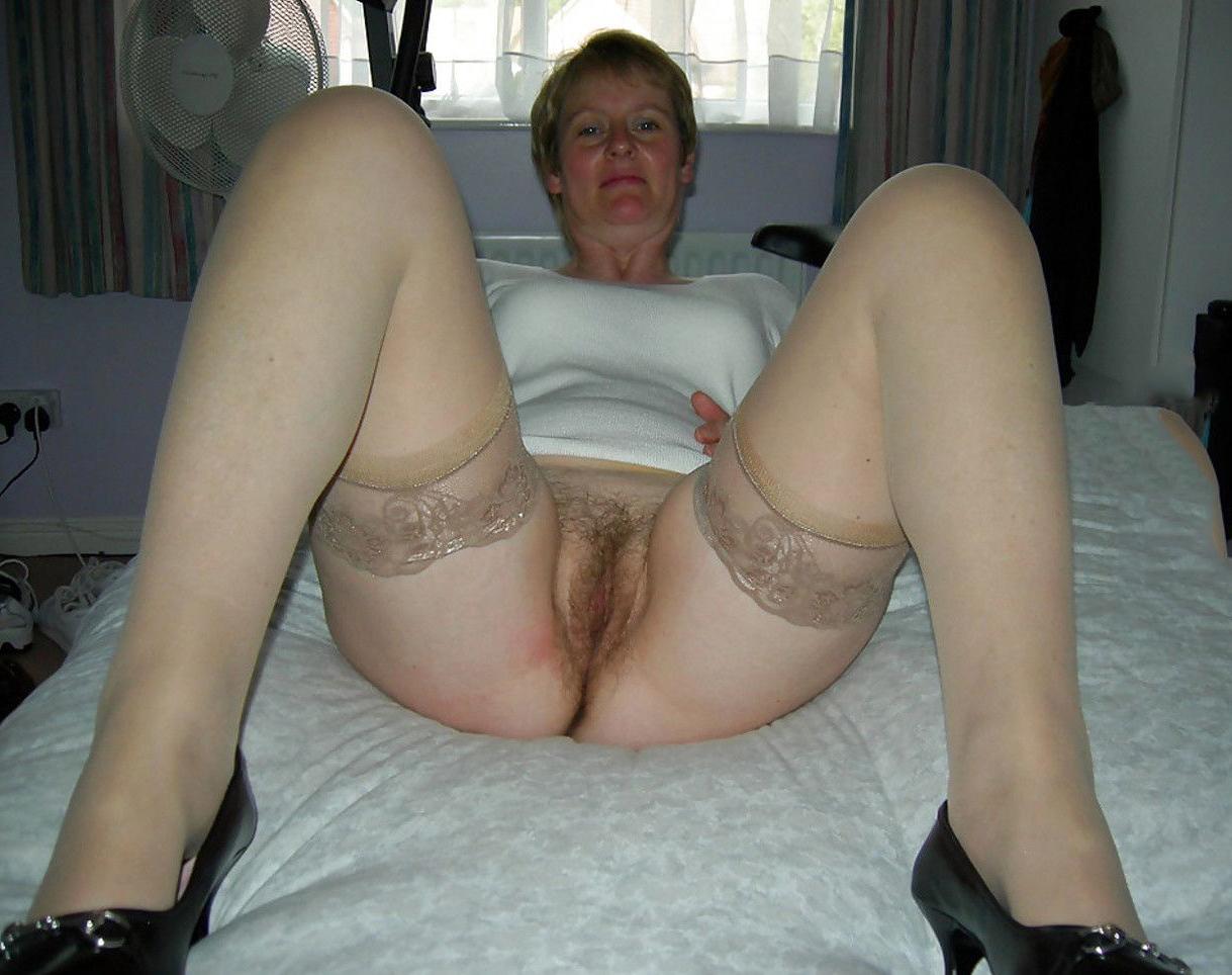 Hot timeless mature slut pics