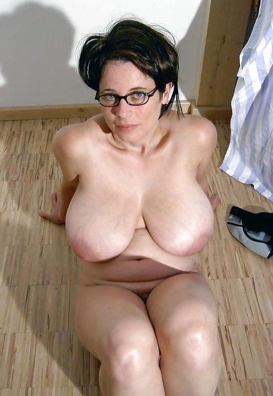 Huge Tit Mature Threesome
