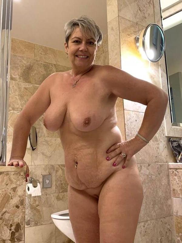 Amateur pics of older mature naked women