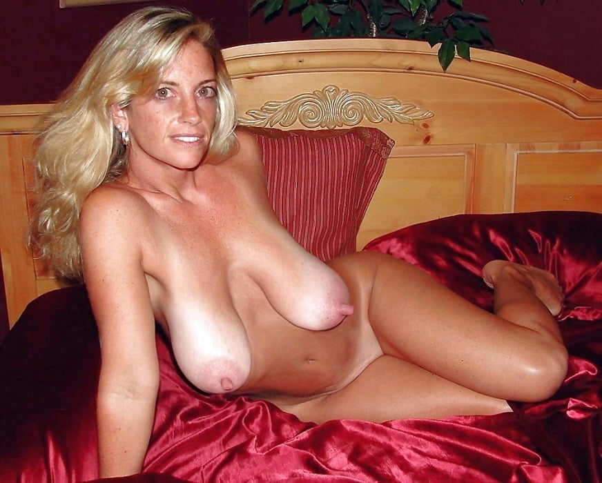Wet pussy mature hairy saggy naked photos