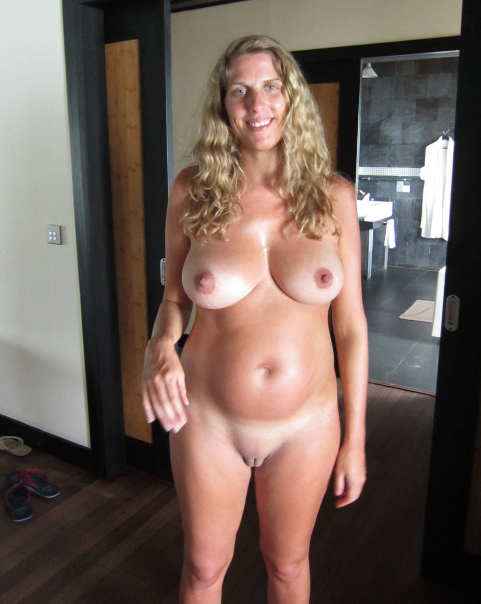 Naked mature beautiful women pictures