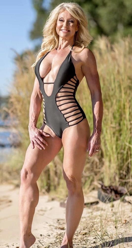 Taking full-grown woman bikini photos