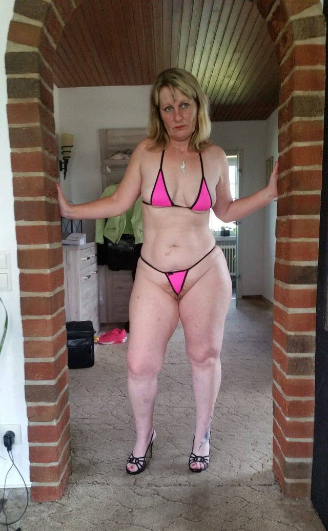 Mature filigree bikini pussy pics